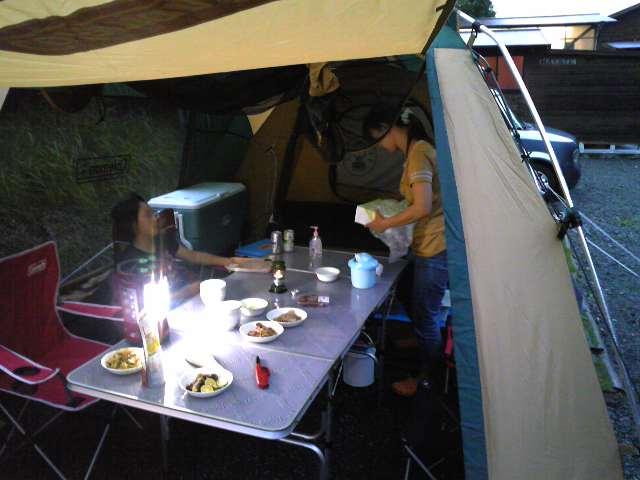 富士裾野にてファミリーキャンプ中です。